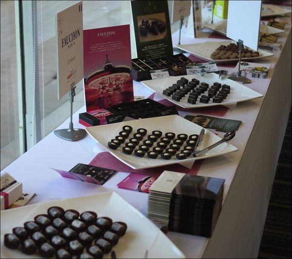 玉川テラス チョコレートパーティー2014 メーカーが並んでいる様子