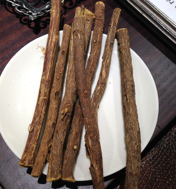 レグリスの原材料 甘草